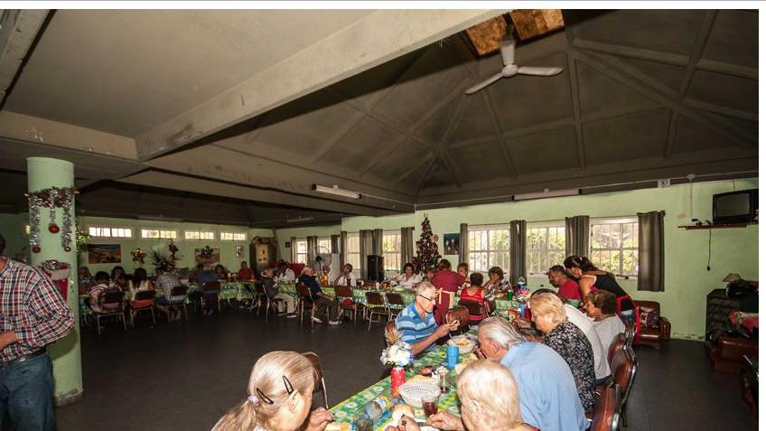 Se reanudan los almuerzos en el Hogar de Día. | La Falda